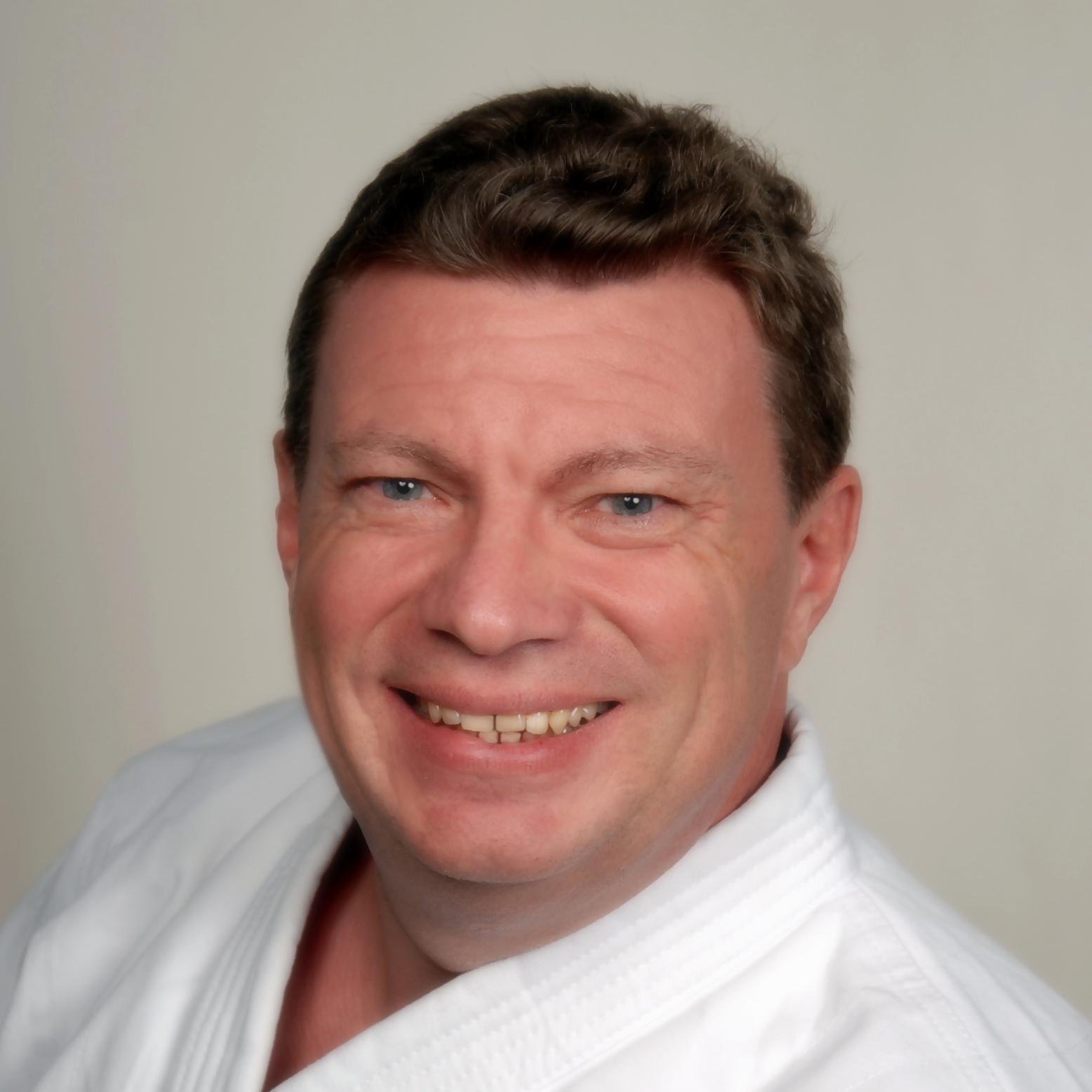 Ralf Hüber Kampfsportler und Versicherungsmakler